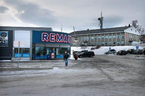 REMA ER MED: Denne Rema 1000-butikken på Fauske vil i likhet med resten av landet følge priskuttene som gjøres av Kiwi og Coop.