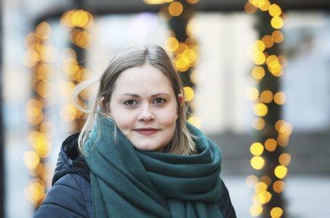 Produsent: Cathrine Terese Persson syns det er flott å kunne jobbe med kunst selv om hun ikke er kunstner selv.