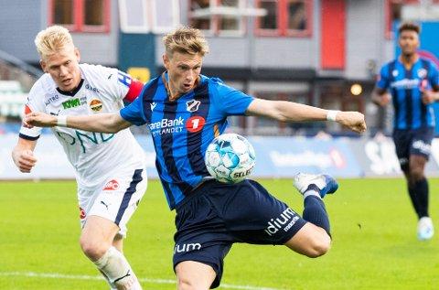Stabæks Kasper Junker under eliteseriekampen i fotball mellom Stabæk og Strømsgodset på Nadderud i år. Nå kan han være på vei til Glimt. Foto: Berit Roald / NTB scanpix
