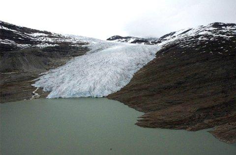 Naturvernforbundet reagerer sterkt på Svaice sine planer om uttak av is fra Svartisen.