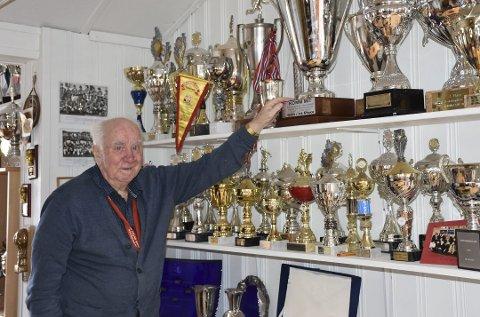 Grand-legenden Ole Marius Strand har gått bort. Bildet ble tatt da AN møtte klubblegenden i 2017.
