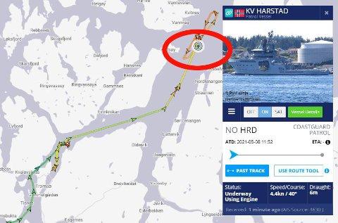 PÅ PLASS: KV Harstad ser ut til å bli eskortefartøy for den amerikanske atomubåten som ankommer Grøtsund i løpet av det nesten halve døgnet. Kystvaktskipet ligger nå i nærheten av der ubåten er ventet å dukke opp. Illustrasjon: Marinetraffic.com