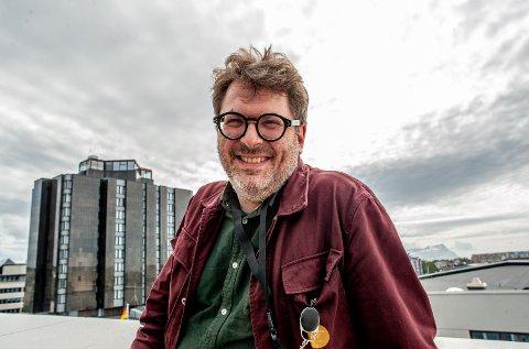 Rasmus Adrian er fornøyd med å ha mottatt 30 søknader på den utlystre stillingen som kommunikasjonskonsulent.