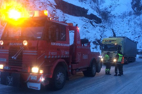 Eidfjord Bilberging måtte nok en gang hjelpe et utenlandsk vogntog opp Måbøtunnelen.