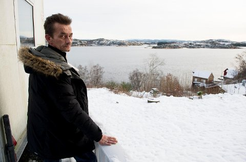 Fredrik Johannessen Lie (19) forsvant etter en bilulykke på Sotra natt til 1. januar 2015.  Faren Karl Martin Lie frykter sønnen aldri blir funnet.