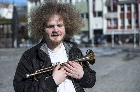 Ørjan Hammer Vollvik spiller på Griegakademiets jazzlinje. I år var han og en gjeng fra akademiet og spilte på årets Vossa Jazz.