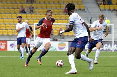 Ulrik Fredriksen spilte hele kampen da Norge vant 3-0 over England.