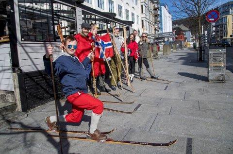 Påsketuristene fra Osterøy, her med Terje Burkeland, har blitt et velkjent syn i Bergen. 20-årsjubileet går ikke som planlagt.