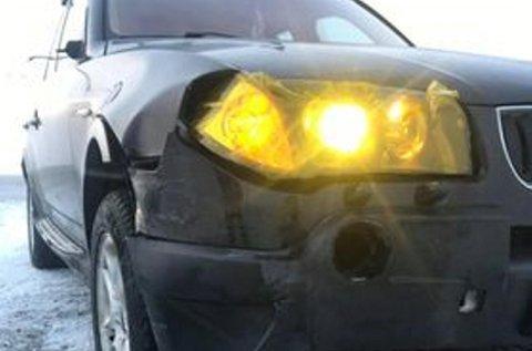 BMW-en fikk seg en skikkelig trøkk, og de to karene i bilen en skikkelig støkk, da den seilte i autovernet.