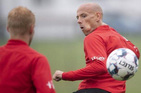 Ruben Kristiansen er mannen Brann ikke blir kvitt, selv om de pussig nok har prøvd flere ganger. Men hver gang har venstrebacken klort seg fast på laget og vist seg viktig.