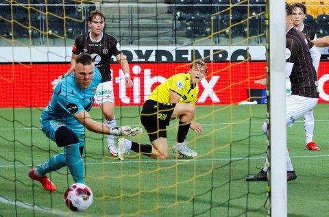 FIKK SJANSEN:  Idar Lysgård fikk sjansen i MIF-målet mot Start. Han gjorde ingen tabber, men opplevde å slippe inn fire mål.