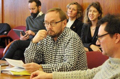 Lars Helge Jensen sier til Finnmarksposten at han er bekymret for utviklingen i Nordkapp kommune.
