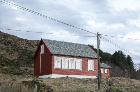 Flora Turlag si hytte på Kinn. I mars i år betalte laget 700.000 kroner for hytta. Til saman fekk dei 500.000 kroner i støtte frå mellom anna Kinn kommune og Sparebankstiftinga til kjøpet.