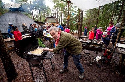 MYE Å GJØRE: Jan-Kåre Fjeld hadde mange munner å mette onsdag ettermiddag.