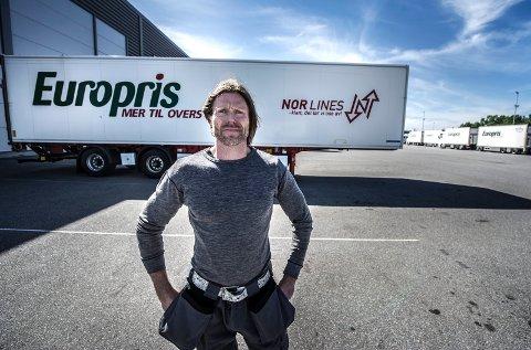 REAGERER: Ole-Henrik Raagaard er tillitsvalgt for de ansatte hos Europris på Øra, som  risikerer å miste et lokalt kronetillegg. – Det er dårlig stemning, erkjenner han.