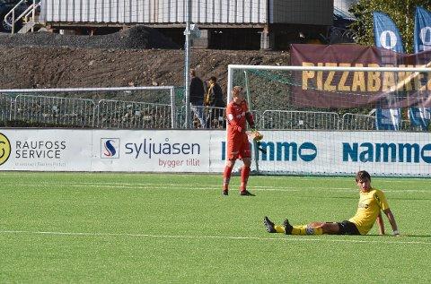 SKUFFET:Raufoss-spillerne var skuffet etter at det kun ble ett poeng på hjemmebane søndag. Foto: OA
