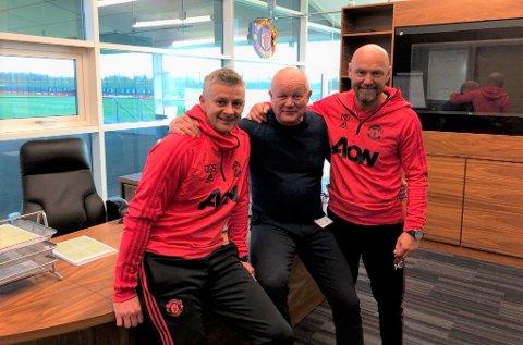 INN I DET HELLIGSTE: Ole Gunnar Solskjær, Per-Mathias Høgmo og Mark Dempsey på Manchester Uniteds treningsanlegg på Carrington.
