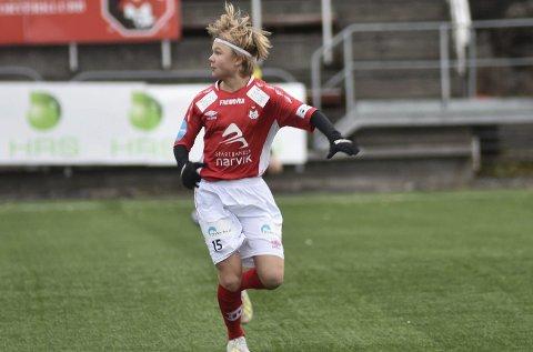 DEBUTERTE: Vetle Hanssen fikk sin A-lagsdebut for Mjølner i siste kamp i 2019.. Det blir minst snaue halvannet år til at Mjølner tidligst kan spille i PostNordligaen igjen. Begge foto: Kjell Kolsvik