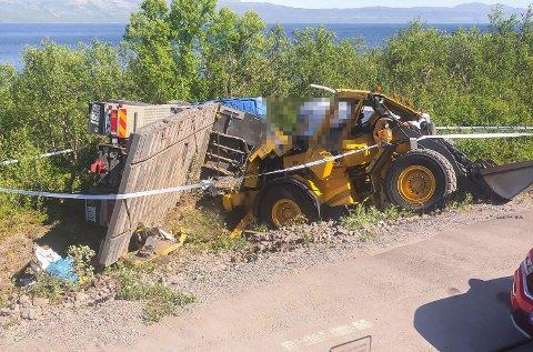 AVSKILTET: Lastebilen som kolliderte med varebilen, der de to omkomne satt, hadde ikke kjøretillatelse.