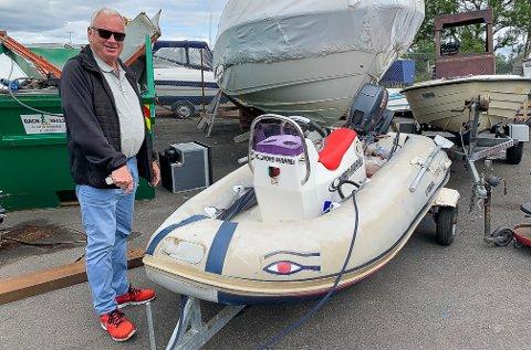 FORNØYD: Etter ett år på avveie, fikk Bjørn Gustavsen endelig båten sin tilbake. Mest av alt er han fornøyd med at tyven får sin straff.