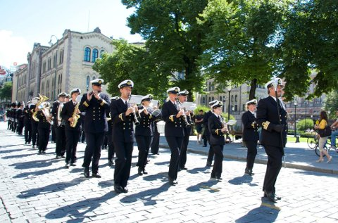 MARKERER: Musikere fra Marinemusikken skal delta på markeringen utenfor Stortinget mandag. foto: LARS IGESUND/KNMM