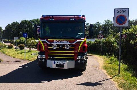 FALSK ALARM: Brannbiler dro torsdag ut til en bolig i Åsgårdstrand, etter varsel fra en automatiske brannalarm. Bildet er et illustrasjonfoto fra Rørestrand.