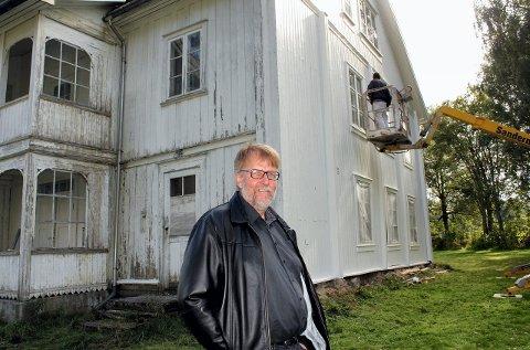 TIL MUSEET: Klokkergården på Kirkenær blir eiendommen til Norsk Skogfinsk museum. Paul Inge Tønseth ønsket i sin tid som ansatt i Grue at bygget skulle brukes mer.
