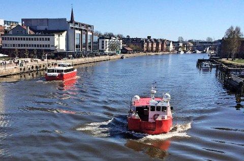 Byfergene er noe av det første turistene legger merke til i Fredrikstad.