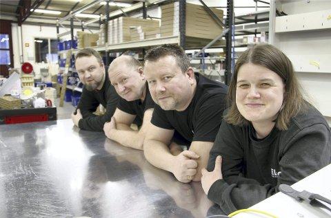 VEKST: Elcor etablerte nytt firma med 10 ansatte i lokalene etter Skarnes Elektro i fjor, og Stian Berg (bakerst), Jan Erik Fengsrud, Øyvind Borgenholt og Birgit Steinbekken er glade for å være i jobb igjen.FOTO: SIGMUND FOSSEN
