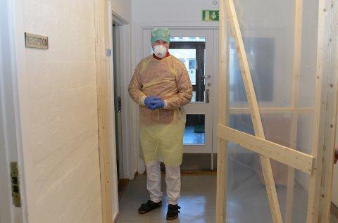 Da  infeksjonsklinikken for Åsnes og Våler ble åpnet på Haslemoen, var Bjørn Gunnarson en av de to legene som tok ansvaret for beredskapen.