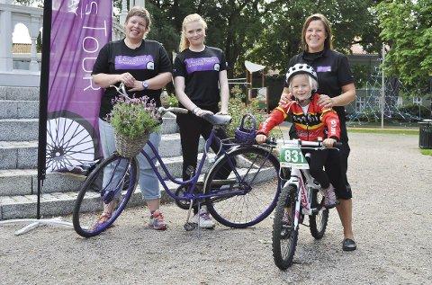 Vil skape sykkelfest: Ladies Tour of Norway er mer enn proffritt for verdenseliten. Marit Westby (tv), Renate Dahle og Heidi Stenbock-Haakestad inviterer til både mosjonsritt og barneritt. Kristine (6) kan neste ikke vente.