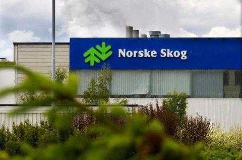 TUNG TID: Norske Skog sliter økonomisk, men med sju konkurransedyktige enheter mener papirprodusenten at fortsatt drift er i alles interesse.