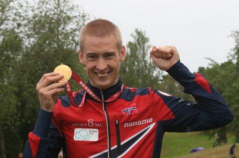 VM-GULLET: Olav Lundanes med VM-gullet fra langdistansen i år.