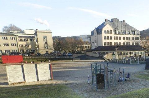 Os skole: Ole Kristian Sørlie stiller flere spørsmål rundt planene om nye Os skole.