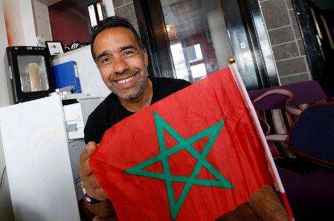 """HEIA MAROKKO! Lotfi Lazaare er svært spent før fredagens oppgjør mellom Marokko og Iran. Han har gjort """"en liten jobb"""" i forkant for Marokko."""