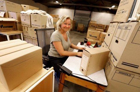Haugesund 0409 2018 Biblioteket i gang med sortering av arkivet til Knudsen rederiet: