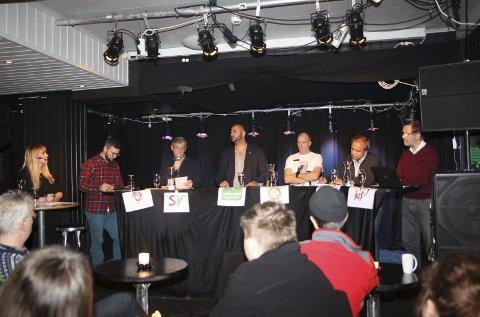 DEBATT: Kjersti Sjursen Lien, Willy Pedersen, (Ap), Einar Niemi (SV), Farid Shariati (MDG), Hans Henrik Kristiansen (Vadsølista) Johnny Aikio (H) og Otto Strand