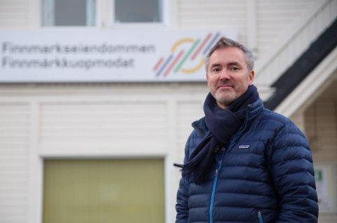 REAGERER: Kommunikasjonssjef for Finnmarkseiendommen, Eirik Palm, reagerer på at Altapostens Jarle Mjøen både dekker og kommenterer egen sak.