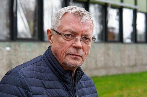 BEKYMRET: Kurt Maurstad, kommunedirektør i Karasjok, er bekymret for at det skal bli et større utbrudd i kommunen: – Vi oppfordre alle til å gå å teste seg hvis de opplever symptomer.