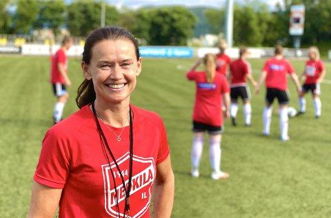 ISOLASJON: For kvinnene på Medkila har det vært et år med mye isolasjon, forteller trener Margunn Haugenes.