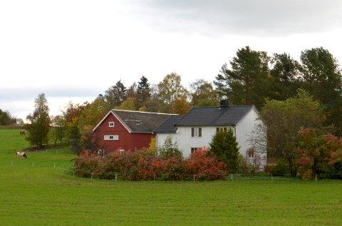 3.000.000: Skjelbreivegen 35 (Gnr 205, bnr 26) er solgt for kr 3.000.000 fra Bente Volan til Cathrine Fossvik Trana og Kim Anthony Jevne (03.09.2021)