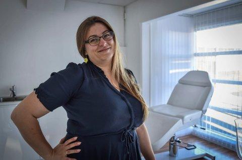 NYTT: Agnieszka Moldoch satser med nytt neglstudio på Steglet. Onsdag var første åpningsdag.