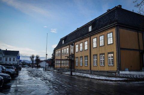 MÅ UT HERFRA: Kulturskolen holder nå til på Bergseminaret. Norsk Bergverksmuseum eier bygget, men skal bruke det selv fra 1. januar 2022.