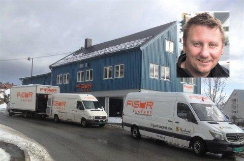 Produsent Geir-Ove Andersen (innfelt) hos Figurteatret i Nordland.