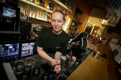 GIR SEG: Miriam Karoline Engen åpnet Milligram bar og café i 2017. Nå overlater hun stedet til nye eiere og drivere.