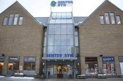 Voksne har knapt noe sted å møtes på Mortensrud, bortsett fra på kjøpesenteret, skriver Lina Bjelland Myrvoll.