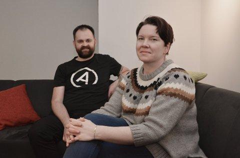 BOLIG-MARERITT: Arne Bergdal og samboeren Stine Eidissen Bya er dømt til å betale tilbake 2,8 millioner kroner etter et hussalg på Svalbard.