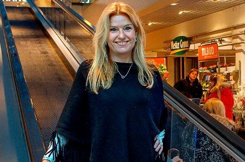 TRYGT: Vibeke Askevold ved CC Gjøvik sier at kjøpesenteret er et trygt sted å være.