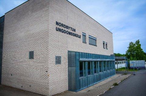 BRANNTILLØP: Mandag formiddag rykket nødetatene ut til Nordbytun ungdom skole etter melding om et branntilløp.