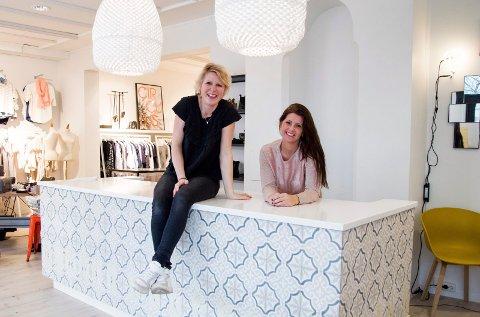 REKORDÅR: 2016 ble Rått og Sanselig AS' beste noensinne. Nå planlegger Ida Brandsæter Helgeland en butikk nummer tre. Til venstre: Daglig leder Camilla R. Larsen.